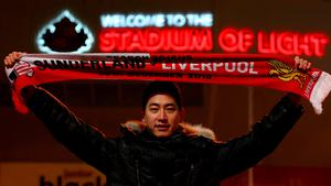 SUNDERLAND, ENGLAND - DECEMBER 30:  a fan poses outside the stadium before the Barclays Premier League match between Sunderland and Liverpool at Stadium of Light on December 30, 2015 in Sunderland, England.  (Photo by Ian MacNicol/Getty Images)