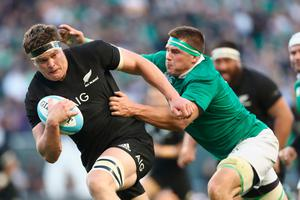 CHICAGO, IL - NOVEMBER 05:  Scott Barrett of the New Zealand All Blacks heads for a try during the international match between Ireland and New Zealand at Soldier Field on November 5, 2016 in Chicago, United States.  (Photo by Phil Walter/Getty Images)
