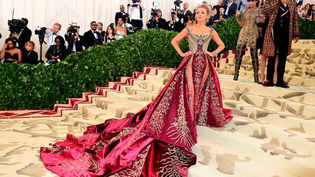 Blake Lively attending the Metropolitan Museum of Art Costume Institute Benefit Gala 2018 in New York, USA. PRESS ASSOCIATION Photo. Picture date: Monday May 7, 2018. See PA story SHOWBIZ MET Gala. Photo credit should read: Ian West/PA Wire