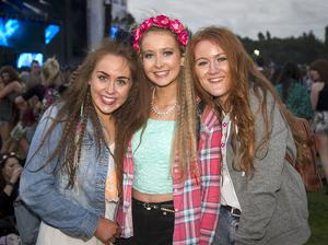 Fans at the second night of Tennent's Vital with DJ's David Guetta, Steve Angello, Klangkarussell, DJ Rigsy, DJ Al Gibbs. Sunday 24th August 2014. Photo by Liam McBurney