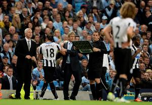 MANCHESTER, ENGLAND - AUGUST 19:  Jonas Gutierrez of Newcastle United is substituted in the second half during the Barclays Premier League match between Manchester City and Newcastle United at the Etihad Stadium on August 19, 2013 in Manchester, England.  (Photo by Michael Regan/Getty Images)