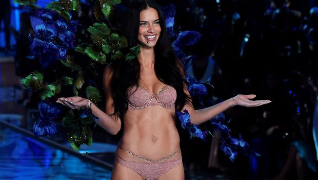 Model and Victoria's Secret Angel Adriana Lima presents a creation during the 2015 Victoria's Secret Fashion Show in New York on November 10, 2015. AFP PHOTO/JEWEL SAMADJEWEL SAMAD/AFP/Getty Images