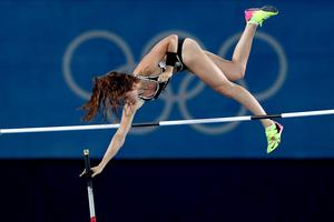 RIO DE JANEIRO, BRAZIL - AUGUST 19:  Eliza Mccartney of New Zealand competes in the Women's Pole Vault Final on Day 14 of the Rio 2016 Olympic Games at the Olympic Stadium on August 19, 2016 in Rio de Janeiro, Brazil.  (Photo by Alexander Hassenstein/Getty Images) *** BESTPIX ***