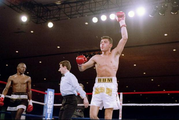 13 Mar 1993: Oscar De La Hoya celebrate during his fight against Jeff Mayweather at the Las Vegas Hilton in Las Vegas, Nevada. De La Hoya won the fight.