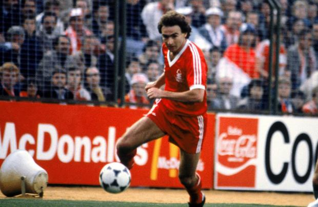 O'Neill bursts down the right-wing in the 1980 final; an experience he wouldn't get too often over the 90 minutes as Hamburg piled on the pressure.