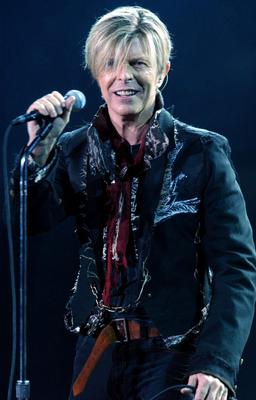 Bowie cover...File photo dated 25/11/2003 of David Bowie as an astronaut has said goodbye to life on the International Space Station by making a cover version of the singer's Space Oddity. PRESS ASSOCIATION Photo. Issue date: Monday May 13, 2013. Commander Chris Hadfield has built up more than 790,000 followers on Twitter by posting photographs of the Earth from space. See PA story SHOWBIZ Bowie. Photo credit should read: Andy Butterton/PA Wire...E