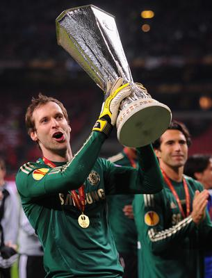 AMSTERDAM, NETHERLANDS - MAY 15:  Petr Cech of Chelsea celebrates with the trophy during the UEFA Europa League Final between SL Benfica and Chelsea FC at Amsterdam Arena on May 15, 2013 in Amsterdam, Netherlands.  (Photo by Michael Regan/Getty Images)