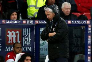 Crystal Palace's English manager Alan Pardew gestures on the touchline during the English Premier League football match between Crystal Palace and Chelsea at Selhurst Park in south London on January 3, 2016. AFP PHOTO / IKIMAGES  RESTRICTED TO EDITORIAL USE. NO USE WITH UNAUTHORIZED AUDIO, VIDEO, DATA, FIXTURE LISTS, CLUB/LEAGUE LOGOS OR 'LIVE' SERVICES. ONLINE IN-MATCH USE LIMITED TO 45 IMAGES, NO VIDEO EMULATION. NO USE IN BETTING, GAMES OR SINGLE CLUB/LEAGUE/PLAYER PUBLICATIONS.IKIMAGES/AFP/Getty Images