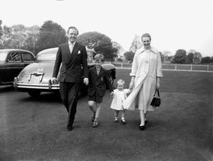File photo dated 21/04/57 of Richard Attenborough with his wife film star Sheila Sim and their children Michael and Jane as Lord Attenborough has died aged 90, the BBC reported tonight. PRESS ASSOCIATION Photo. Issue date: Sunday August 24, 2014. See PA story DEATH Attenborough. Photo credit should read: PA Wire