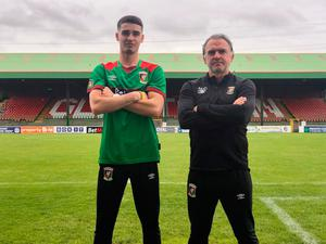 Jay Donnelly signs for Glentoran