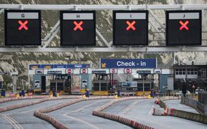 Empty lanes leading to check-in at the port of Dover (Andrew Matthews/PA)