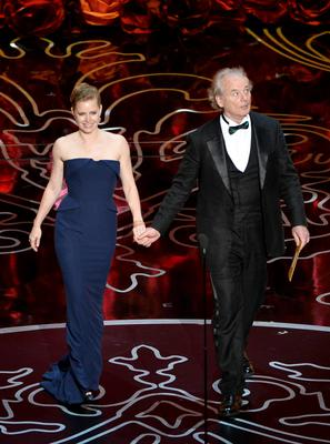 HOLLYWOOD, CA - MARCH 02:  Actors Amy Adams (L) and Bill Murray speak onstage during the Oscars at the Dolby Theatre on March 2, 2014 in Hollywood, California.  (Photo by Kevin Winter/Getty Images)