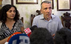 Brett and Naghemeh King, parents of Ashya King who has a brain tumor. (AP Photo/Miguel Angel Morenatti)