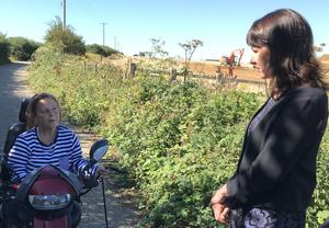Labour Brexit spokeswoman Rachel Reeves meeting local resident Carla Hopkins during her visit to the site in Ashford, Kent recently purchased by the Government as it gears up for possible trade frictions as a result of leaving the EU (Michael Drummond/PA)