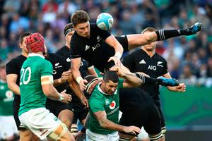 CHICAGO, IL - NOVEMBER 05:  Beauden Barrett of New Zealand spills a high ball during the international match between Ireland and New Zealand at Soldier Field on November 5, 2016 in Chicago, United States.  (Photo by Phil Walter/Getty Images)
