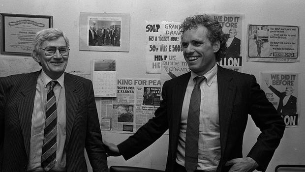 PACEMAKER BELFAST                          APRIL 1988       PF  CONGREESMAN JOE KENNEDY AN A VISIT TO NEWRY AND CROSSMAGLEN WITH SEAMUS MALLON, PICTURED BEING CONFRONTED BY SINN FEIN COUNCILLOR JIM McALLISTER IN CROSSMAGLEN.  227/88/BW/C