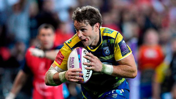 Dramatic clash: Blaine Scully scores try for Cardiff last night