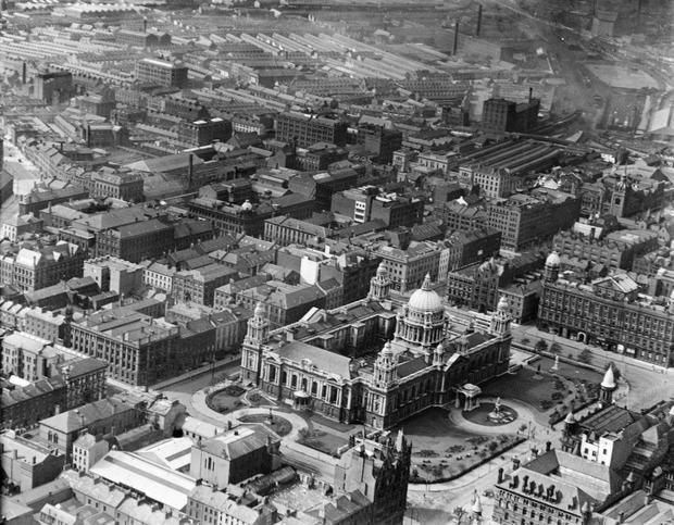Belfast, City Hall and surrounding area. Aerial Photograph.  17/8/1929 BELFAST TELEGRAPH ARCHIVE/NMNI