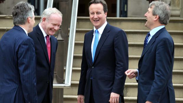 20/5/2010. PACEMAKER BELFAST. PRIME MINISTER DAVID CAMERON AND NORTHERN IRELAND SECRETARY OF STATE MEET WITH FIRST MINISTER PETER ROBINSON AND DEPUTY FIRST MINISTER MARTIN MCGUINNESS AT STORMONT CASTLE THIS AFTERNOON. PICTURE CHARLES MCQUILLAN/PACEMAKER.