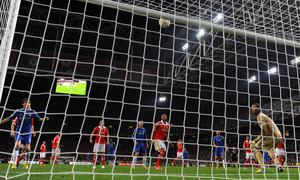 AMSTERDAM, NETHERLANDS - MAY 15:  Artur of Benfica looks on as Branislav Ivanovic of Chelsea (not pictured) scores the winning goal during the UEFA Europa League Final between SL Benfica and Chelsea FC at Amsterdam Arena on May 15, 2013 in Amsterdam, Netherlands.  (Photo by Michael Regan/Getty Images)