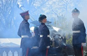 Pacemaker Press Belfast 21-04-2016: A number of events are being held in Northern Ireland to celebrate the 90th birthday of the Queen. A 21-gun salute took place at Hillsborough Castle and at other venues across the UK at noon. Picture By: Arthur Allison.