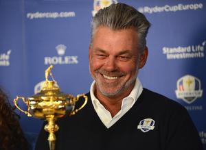Pacemaker Press Belfast 12-04-2016: European Ryder Cup captain Darren Clarke and the Ryder Cup trophy pictured at Royal Portrush GC in Co. Antrim Northern Ireland. The Ryder Cup Trophy Tour will continue on Wednesday 13th April, Northern Irish golf fans will have the opportunity to get up close and personal to the famous trophy, when it is put on public display at City Hall in Belfast (from 9.00am  10.30am) and The Dome at Victoria Square (from 11.00am  9.00pm). Fans will have the opportunity to be photographed alongside the trophy free of charge  and pledge their support to the European team through social media. Picture By: Arthur Allison.