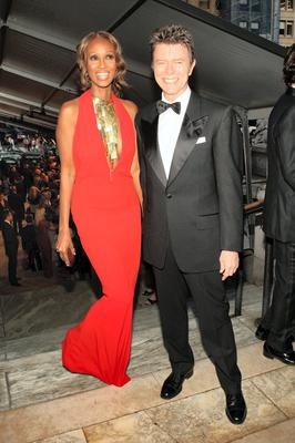 The 25th Anniversary Of The Annual CFDA Fashion Awards - Inside...NEW YORK - JUNE 4:  Model Iman and musician David Bowie pose inside during the 25th Anniversary of the Annual CFDA Fashion Awards held at the New York Public Library June 4, 2007 in New York City.  (Photo by Evan Agostini/Getty Images for CFDA)...E