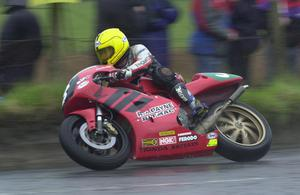 PACEMAKER, BELFAST, 29/4/2000:  Joey Dunlop on his 250cc Honda at the Cookstown 100. PICTURE BY STEPHEN DAVISON