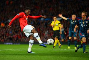 MANCHESTER, ENGLAND - APRIL 01: Danny Welbeck of Manchester United scores an early goal that is later disallowed during the UEFA Champions League Quarter Final first leg match between Manchester United and FC Bayern Muenchen at Old Trafford on April 1, 2014 in Manchester, England.  (Photo by Michael Regan/Bongarts/Getty Images)