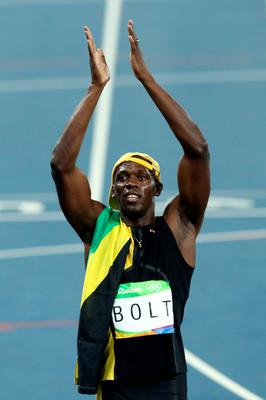 RIO DE JANEIRO, BRAZIL - AUGUST 14:  Usain Bolt of Jamaica celebrates winning the Men's 100 meter final on Day 9 of the Rio 2016 Olympic Games at the Olympic Stadium on August 14, 2016 in Rio de Janeiro, Brazil.  (Photo by Ezra Shaw/Getty Images)