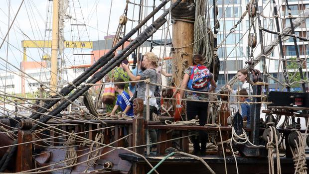 Press Eye © Belfast - Northern Ireland Photo by Freddie Parkinson / Press Eye © Friday 16th June 2017 The Belfast Titanic Maritime Festival returns once again with a weekend of maritime-themed family fun, food and frolics.