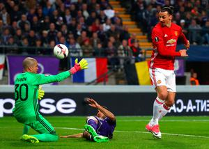 Off target: Zlatan Ibrahimovic spurns another scoring chance. Photo: Clive Rose/Getty Images