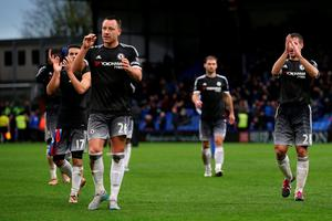 LONDON, ENGLAND - JANUARY 03:  John Terry of Chelsea and his team-mates applaud the fans after the Barclays Premier League match between Crystal Palace and Chelsea at Selhurst Park on January 3, 2016 in London, England.  (Photo by Ian Walton/Getty Images)