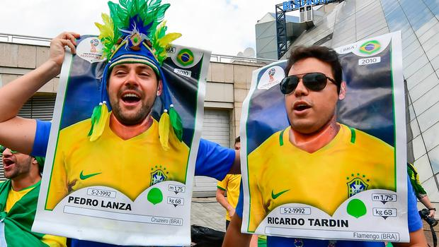 Brazil Fans cheer as they await his team arrival at Mirage Hotel in Kazan on July 5, 2018, for their Russia 2018 World Cup round of 8 football match against Belgium. / AFP PHOTO / LUIS ACOSTALUIS ACOSTA/AFP/Getty Images