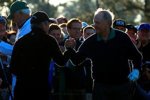 AUGUSTA, GEORGIA - APRIL 07:  Honorary starters Jack Nicklaus and Gary Player shake hands during the ceremonial tee off to start the first round of the 2016 Masters Tournament at Augusta National Golf Club on April 7, 2016 in Augusta, Georgia.  (Photo by David Cannon/Getty Images)