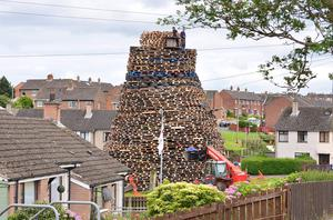 Pacemaker Press Belfast 08-07-2016:  Bonfire in the Loyalist Ballybeen estate in Dundonald, close the Parliament buidlings, Stormont. Picture By: Pacemaker.
