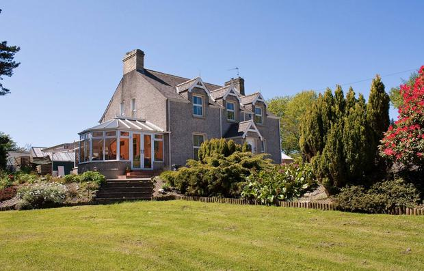 Groarty House & Manor Bed & Breakfast is located in Londonderry. Rating: 89.22. Cost per night: £59