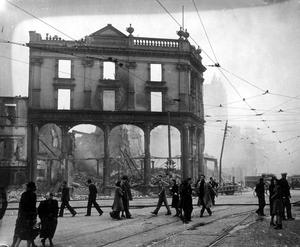 WORLD WAR II: BELFAST AIR RAIDS. INTERNATIONAL BAR. 4/5 May 1941. International Bar, York Street after air raids. AR 105.