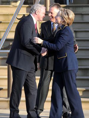 Pacemaker Press 12/10/09 Secretary Of State of the US Hilary Clinton is greeted by First Minister Peter Robinson and Deputy First Minister Martin McGuinness as she  arrives at Stormont Castle during her  visit Belfast Pic Colm Lenaghan/ Pacemaker