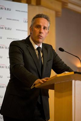 Ian Paisley said the article was defamatory, devoid of fact or logic.