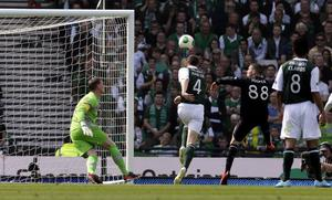 Celtic's Gary Hooper scores his first goal during the William Hill Scottish Cup Final at Hampden Park, Glasgow. PRESS ASSOCIATION Photo. Picture date: Sunday May 26, 2013. See PA story SOCCER Scottish Cup. Photo credit should read: Danny Lawson/PA Wire. EDITORIAL USE ONLY.
