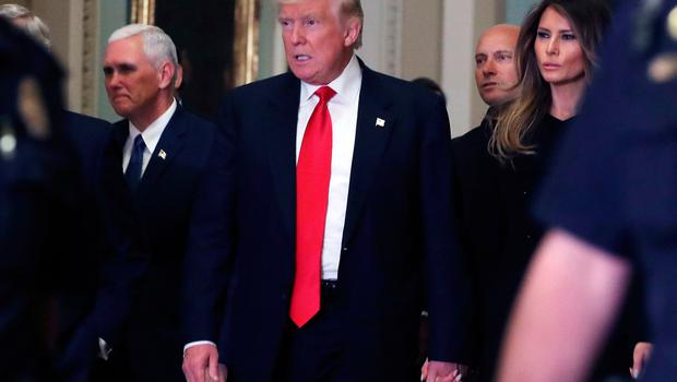 WASHINGTON, DC - NOVEMBER 10:  President-elect Donald Trump, his wife Melania Trump, and Vice President-elect Mike Pence walk to a meeting with Senate Majority Leader Mitch McConnell at the U.S. Capitol for a meeting November 10, 2016 in Washington, DC. Earlier in the day president-elect Trump met with U.S. President Barack Obama at the White House.  (Photo by Mark Wilson/Getty Images)