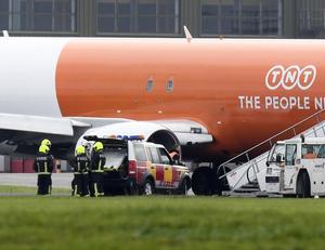 Pacemaker Press 4/10/2016 - There was significant disruption at Belfast International Airport  after a freight plane got stuck on the runway due to a burst tyre