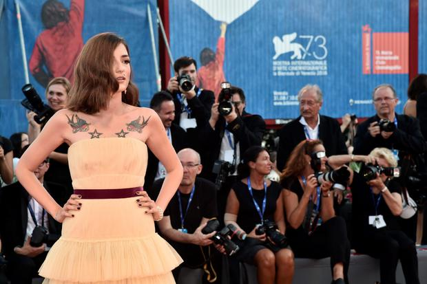 "Eleonora Carisi poses on the red carpet before the premiere of the movie ""The Light Between Oceans"" presented in competition at the 73rd Venice Film Festival on September 1, 2016 at Venice Lido. / AFP PHOTO / TIZIANA FABITIZIANA FABI/AFP/Getty Images"