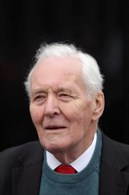 LONDON, ENGLAND - OCTOBER 08:  Tony Benn, president of the Stop the War Coalition and former politician, prepares to address the crowd at the 'Antiwar Mass Assembly' organised by the Stop the War Coalition in Trafalgar Square on October 8, 2011 in London, England. The demonstration sees prominent  campaigners and artists calling for the British Government to immediately withdraw troops from Afghanistan.  (Photo by Oli Scarff/Getty Images)