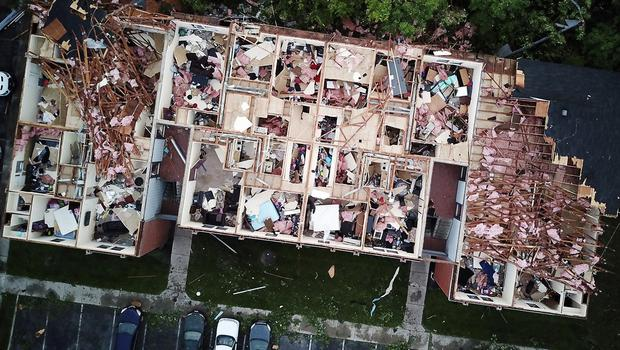 Tornado damage at the Westbrooke Village Apartment complex in Trotwood, Ohio (Doral Chenoweth III/The Columbus Dispatch via AP)