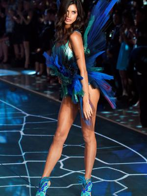 Model and New Victoria's Secret Angel Sara Sampaio from Portugal presents a creation during the 2015 Victoria's Secret Fashion Show in New York on November 10, 2015. AFP PHOTO/JEWEL SAMADJEWEL SAMAD/AFP/Getty Images