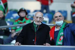 Bertie Wright, Glentorans oldest living player at 100 supports his side at the Irish Cup final.