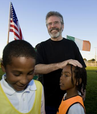 2008: With children in San Francisco during a speaking tour in California