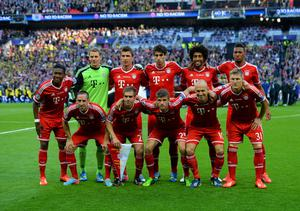 LONDON, ENGLAND - MAY 25:  The FC Bayern Muenchen team line up ahead of the UEFA Champions League final match between Borussia Dortmund and FC Bayern Muenchen at Wembley Stadium on May 25, 2013 in London, United Kingdom.  (Photo by Shaun Botterill/Getty Images)